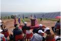 """Yosef Abramowitz, """"Captain Sunshine"""", lors de l'inauguration du champ solaire"""